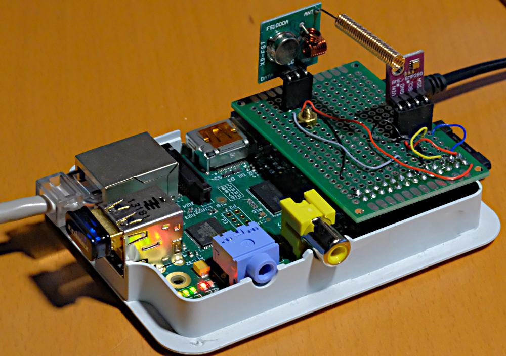 Raspberry B2 mit Aufsteckplatine und Sensor / 433MHz Sender